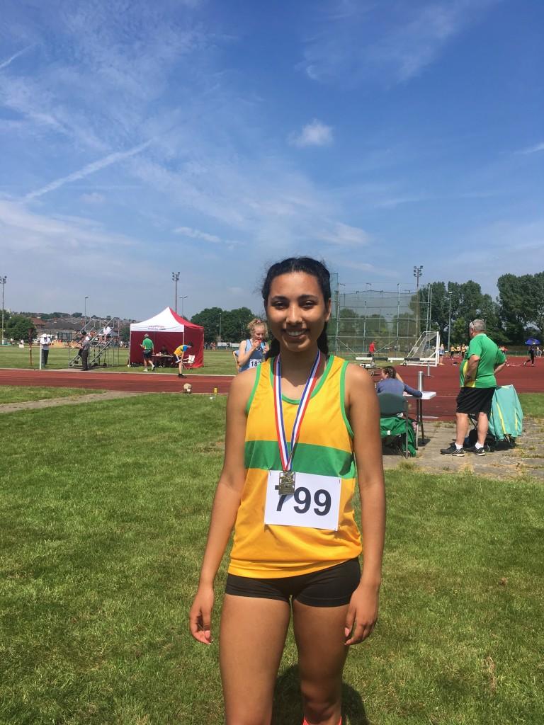 Alex - Senior Girls 800m Champion